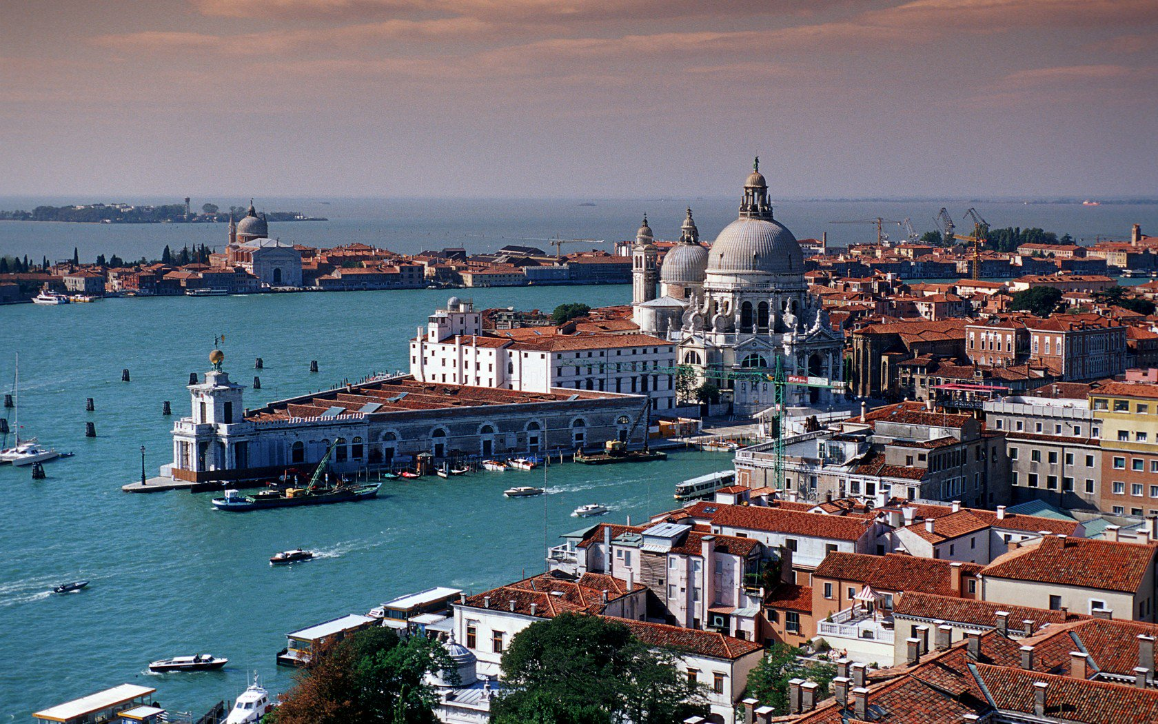 Top 14 thành phố đẹp nhất thế giới khiến mọi du khách mê mẩn - 10