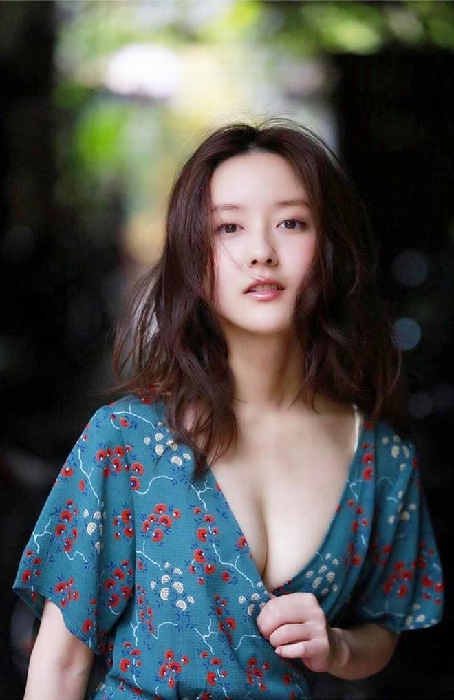"""Vẻ đẹp """"gái một con trông mòn con mắt"""" của """"nữ tài xế xinh nhất Nhật Bản"""" - 5"""