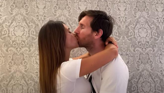 """Messi khoe """"clip nóng"""" bên vợ đẹp, chờ phá 2 siêu kỷ lục cực khó - 1"""