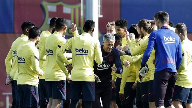 Nội bộ Barca dậy sóng: Bị Messi chỉ trích kém tài, HLV Setien phản pháo - 1