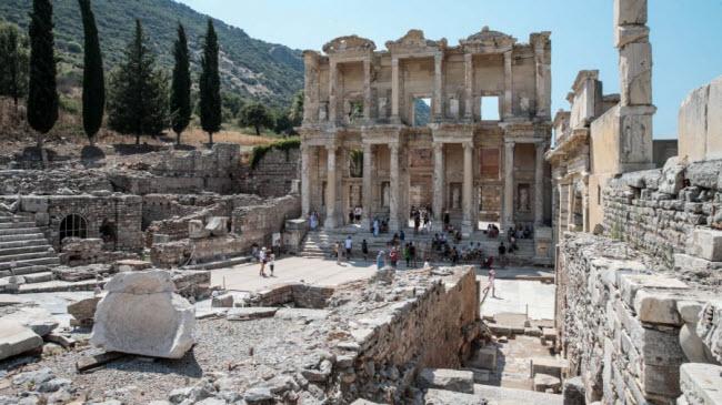 Ephesus, Thổ Nhĩ Kỳ:Đây là thành phố La Mã cổ đại còn nguyên vẹn nhất ở châu Âu.