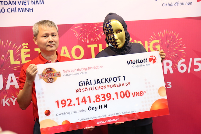 """Chủ nhân jackpot hơn 192 tỉ: """"Tiền nhiều để làm gì?"""" - 1"""