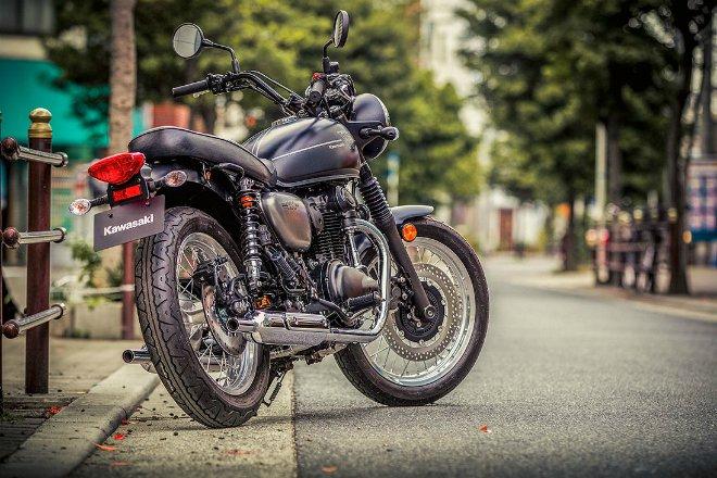 Kawasaki W800 phiên bản mới trình diện, thiết kế đẹp mê ly - 1