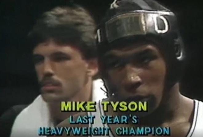 """Mike Tyson """"quấy rối"""" bé gái, bị HLV dí súng vào đầu """"xử"""" luôn - 1"""
