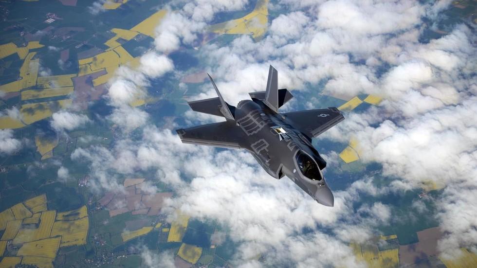Mỹ: Chiến đấu cơ F-35 đâm xuống đất, cùng nơi tiêm kích F-22 gặp nạn chỉ sau 5 ngày - 1