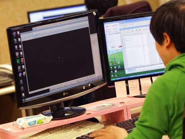Chương trình Dự đoán Việc làm của Cục Thống kê Lao động Hoa Kỳ công bố các ước tính phát triển nghề nghiệp và đưa ra dự báo một số ngành nghề sẽ phát triển trong tương lai. Trước tiên là nghề Phân tích bảo mật thông tin: Thu nhập trung bình năm 2019: 99.730 USD