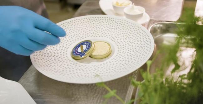Sau khi ra thành phẩm, chúng được trộn với vàng 22 carat mịn. Vàng này được cho là tốt cho hệ thống miễn dịch