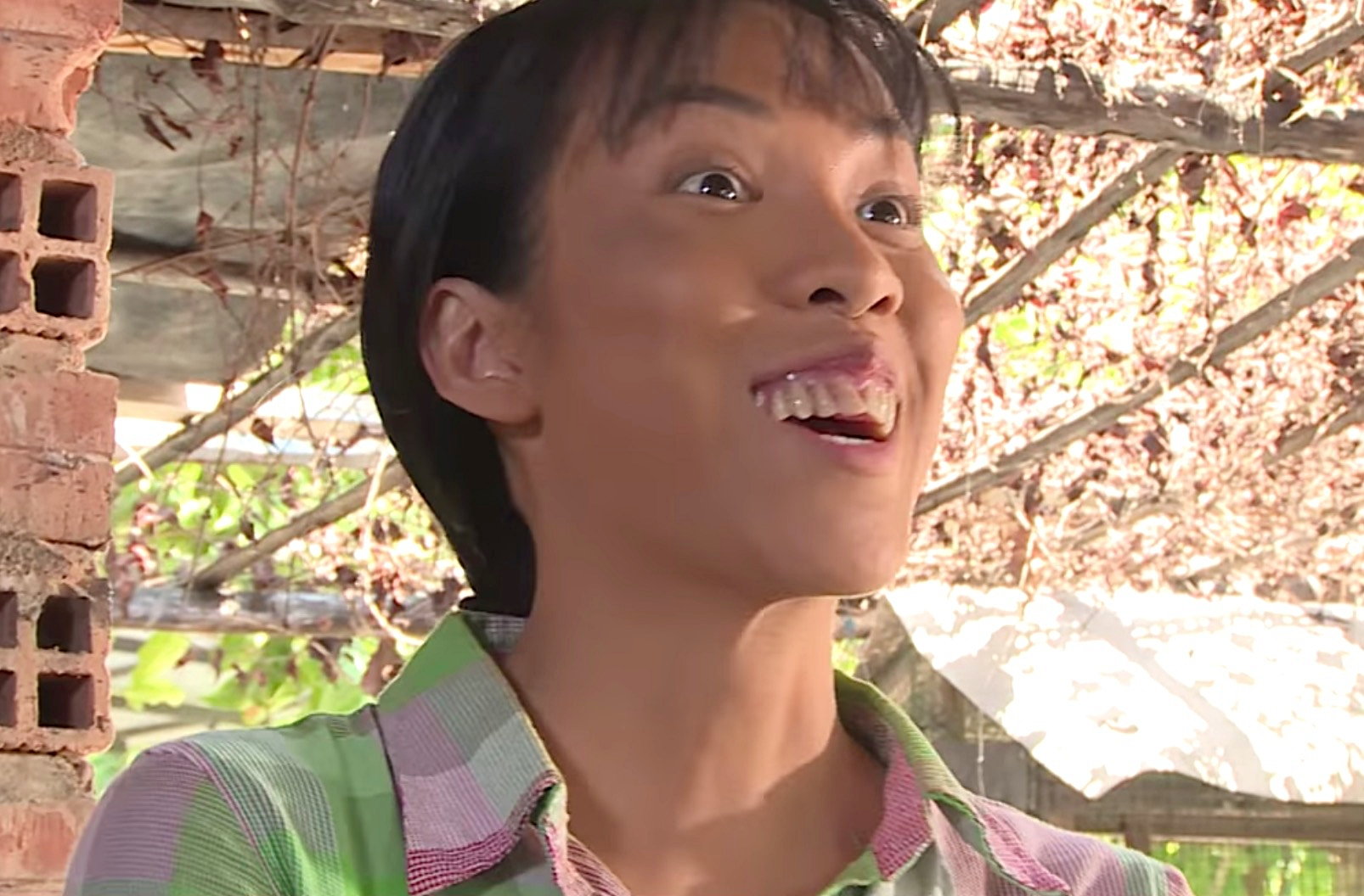 """Nữ diễn viên bị chỉ trích """"xấu nhất showbiz Việt"""" gây """"choáng"""" với nhan sắc thật - 2"""