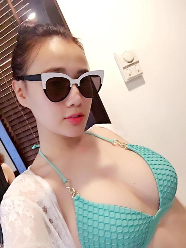 Phương Oanh nổi tiếng chỉ sau 1 đêm với vai diễn Quỳnh trong phim 'Quỳnh búp bê'. Sau thành công của bộ phim, nữ diễn viên sinh năm 1989 còn để lại ấn tượng với nhiều tác phẩm khác như 'Nàng dâu Order', 'Cô gái nhà người ta'...