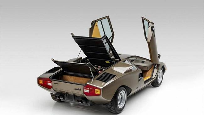 """Tuy nhiên, ở phiên bản LP400 có những chiếc Countach """"bỗng dưng"""" trở thành hiếm có"""