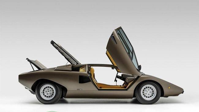 Những chiếc xe này thường được biết đến với tên gọi Countach Periscopio