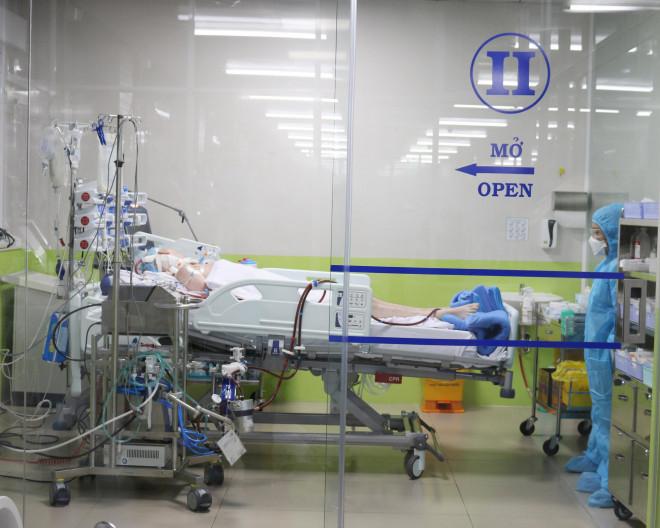 Diễn biến sức khỏe 4 bệnh nhân đang điều trị Covid-19 tại TP HCM - 1