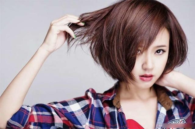 15 kiểu tóc ngắn cho mặt vuông đẹp trẻ trung nhất cho bạn gái năm 2020 - 9