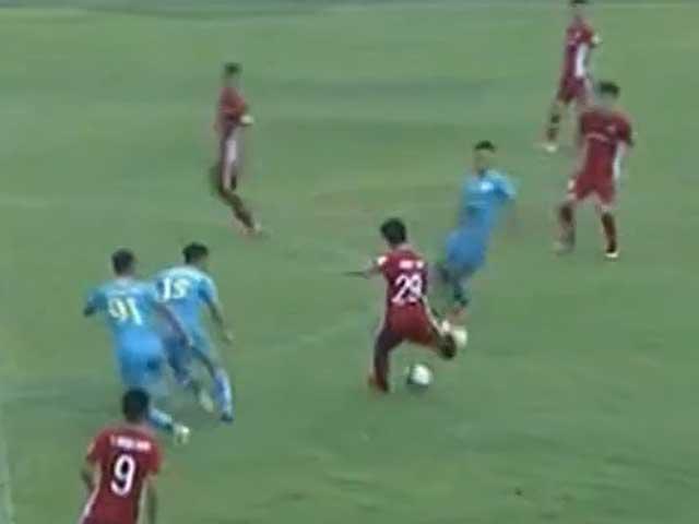 Video highlight trận Khánh Hòa – Viettel: Liên tiếp phung phí, vỡ hòa phút cuối - 1