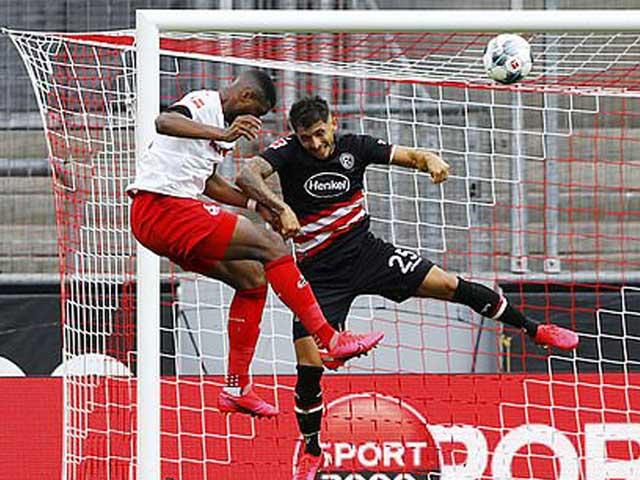 Video highlight trận Koln - Fortuna Dusseldorf: 3 phút cuối vỡ òa, 4 bàn mãn nhãn - 1