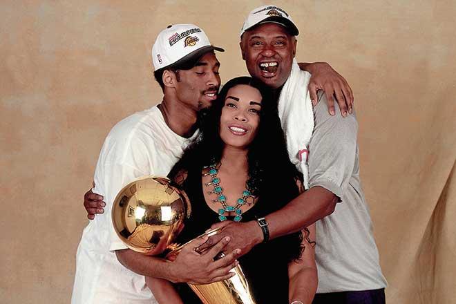 Cảnh đời trớ trêu của Kobe Bryant: Bị mẹ bán nhẫn vô địch để đánh bạc - 1