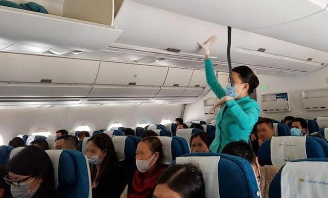 Nữ khách làm loạn trên máy bay chỉ vì chuyện dựng thẳng ghế - 1