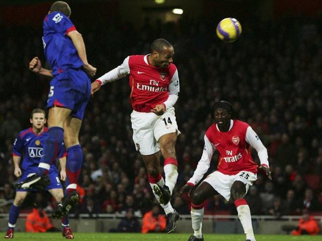 Huyền thoại Arsenal Thierry Henry muốn đến MU, bị Sir Alex xử phũ - 1