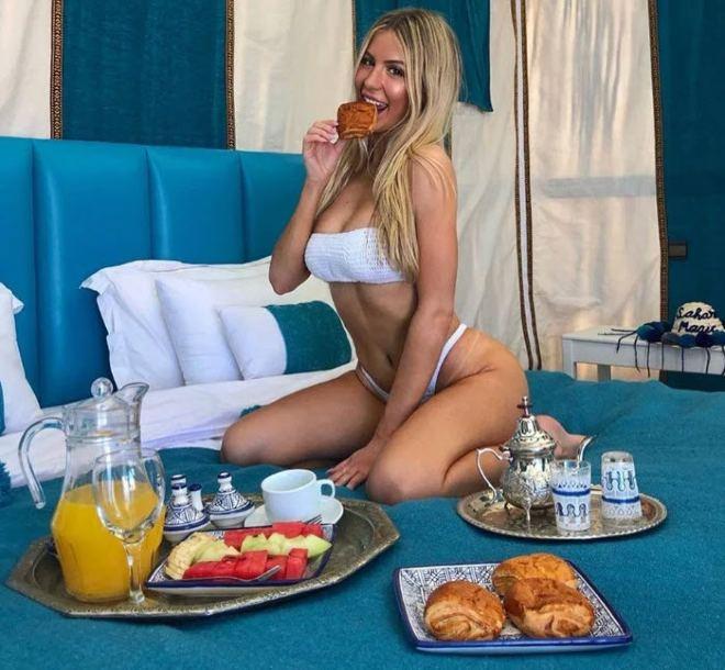 3 điều kiện lạ để hẹn hò cùng người đẹp tennis Bouchard - 1
