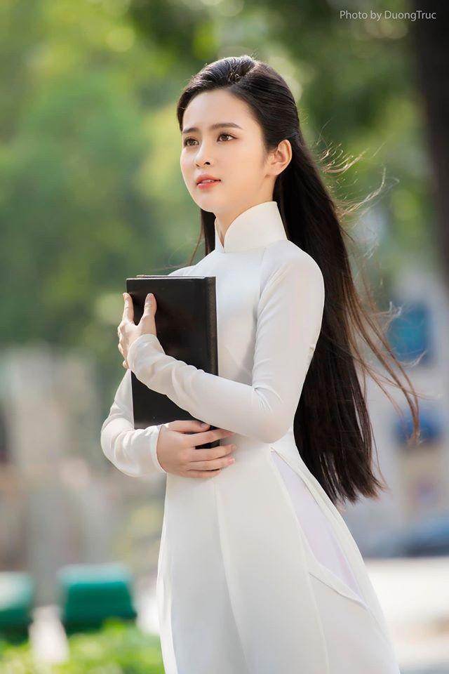 Nữ sinh có tên lạ Trịnh Thị Ái Phi đẹp tinh khôi với áo dài trắng - 4