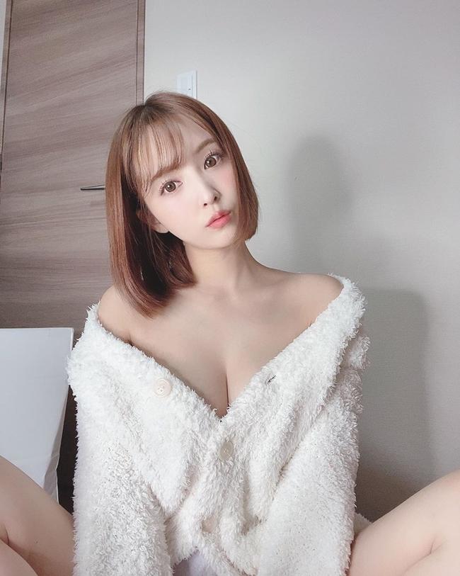 Yua Mikami có một số lượng người hâm mộ lớn ở Trung Quốc, Đài Loan.
