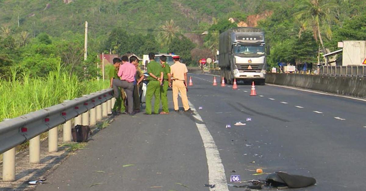 Xe tải tông chết người ở Phú Yên chạy về Hà Nội trốn - 1