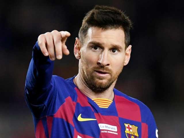 Messi hết cơ hội rời Barca, bị tiết lộ chuyện được trọng tài ưu ái - 1
