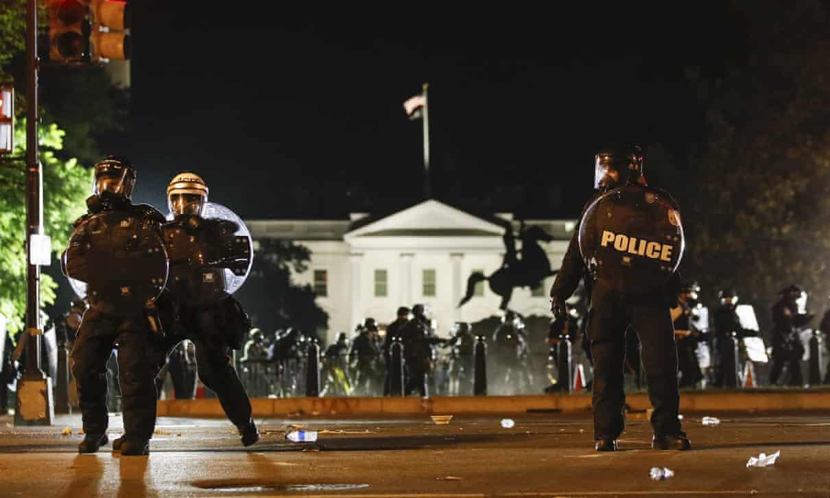 Truyền thông Trung Quốc mỉa mai cách Mỹ đối phó biểu tình bạo lực - 1