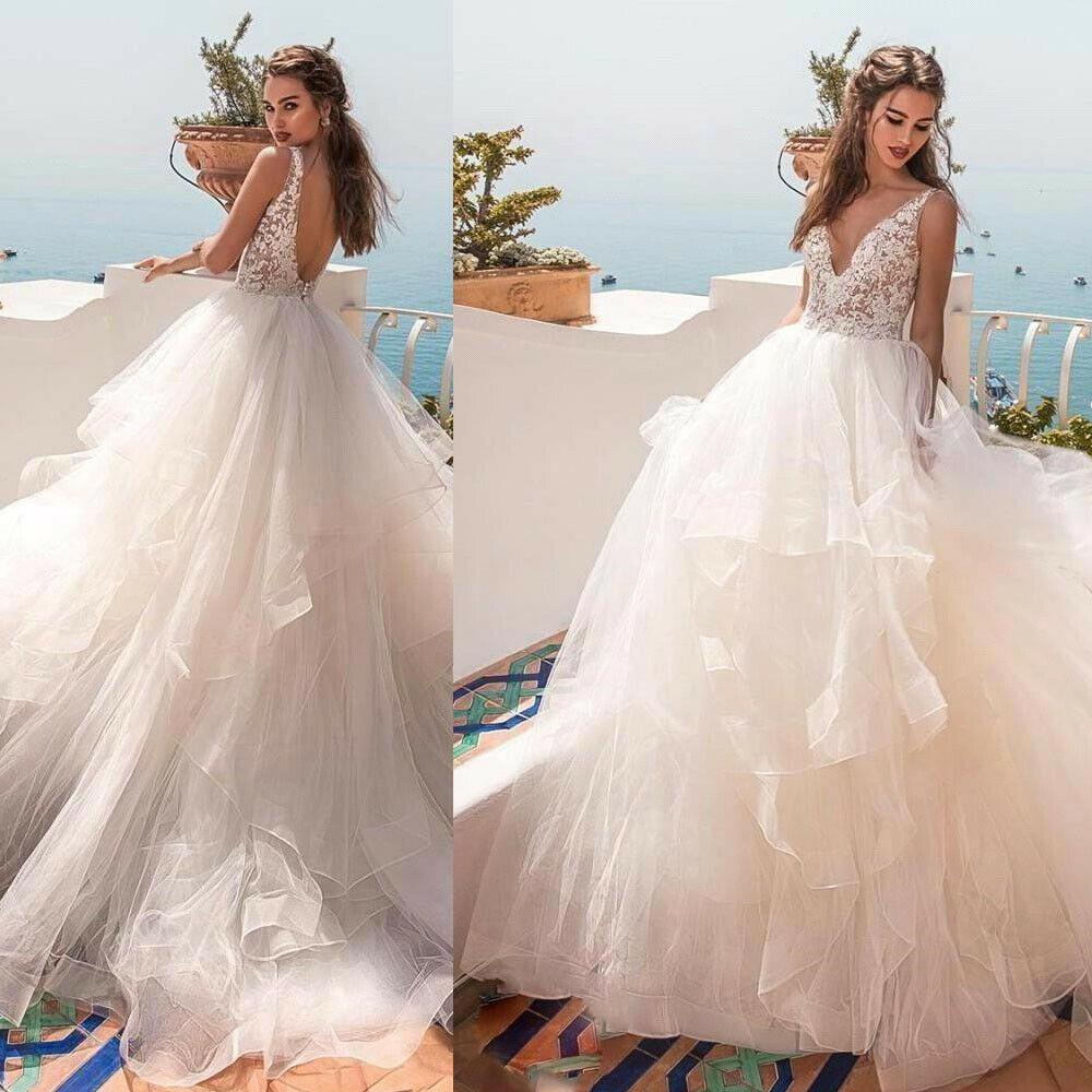 Chiếc váy thị phi trong đám cưới nhiều khách cao tuổi - 1