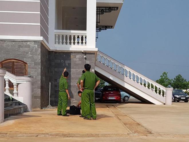 Vụ nhảy lầu ở tòa: VKS tỉnh Bình Phước lên tiếng - 1