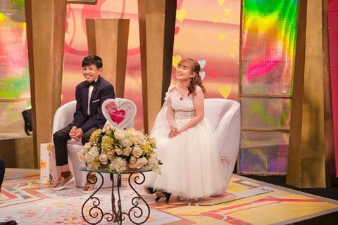 Ghen tị với hạnh phúc của những cặp đôi siêu dễ thương từ các chương trình truyền hình - 1