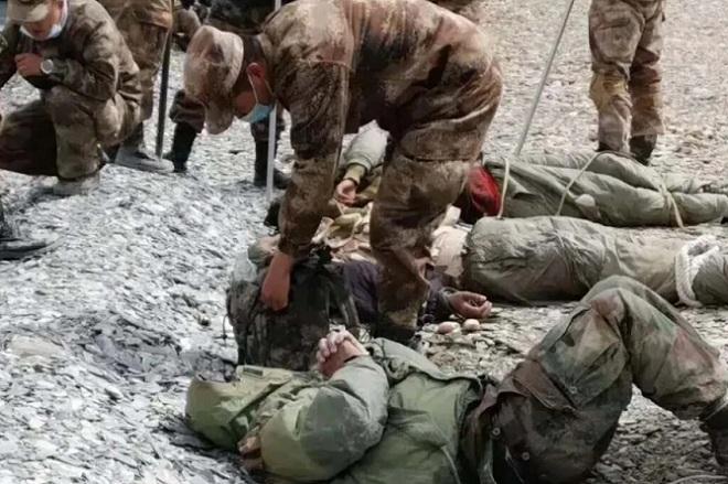 Lính Trung Quốc tung ảnh đánh gục nhiều binh sĩ Ấn Độ ở biên giới - 1