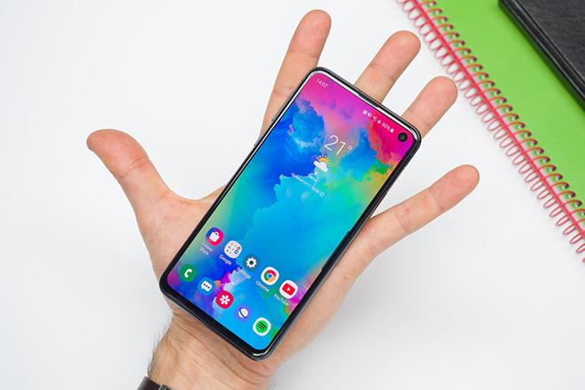 Top smartphone siêu nhỏ gọn phải sở hữu năm nay - 1