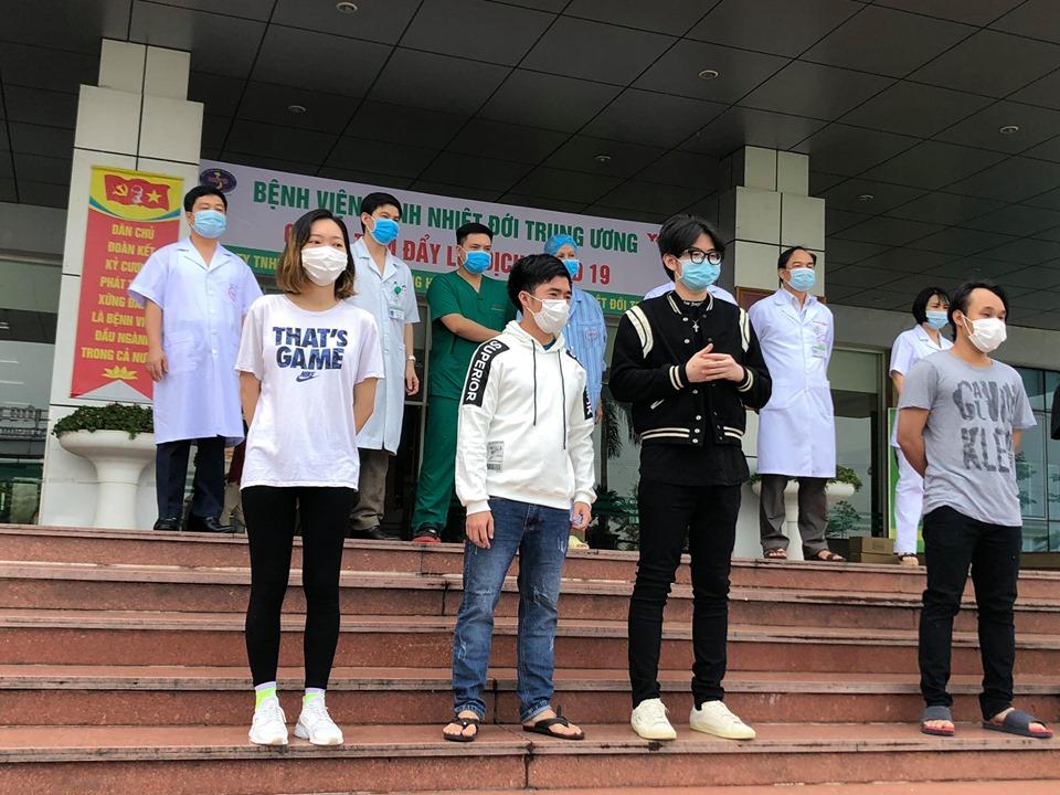 Việt Nam đã chữa khỏi 298 ca nhiễm COVID-19 - 1