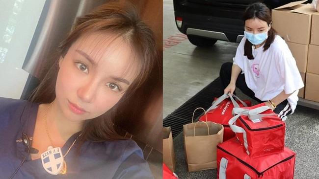 Mặc dù còn trẻ nhưng Kim Lim cũng thường xuyên đi làm từ thiện, giúp đỡ cộng đồng.Mới đây nhất, cô gái này đã chuẩn bị các suất đồ ăn và chuyển cho các bác sĩ đang chữa trị cho bệnh nhân Covid-19 ở tuyến đầu.