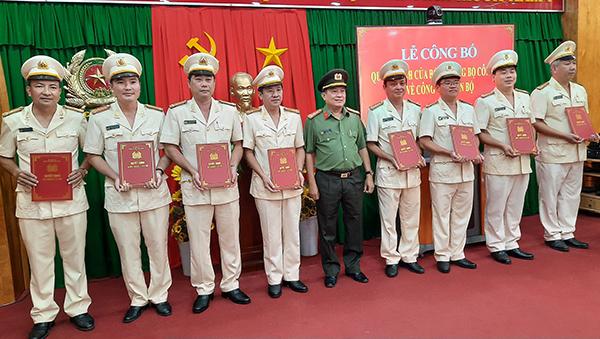 Bộ Công an bổ nhiệm, điều động một loạt lãnh đạo đơn vị Công an tỉnh Vĩnh Long - 1