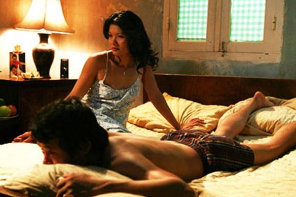 """Cuộc sống trái ngược của 3 """"nữ hoàng cảnh nóng"""" nổi tiếng phim Việt - 1"""