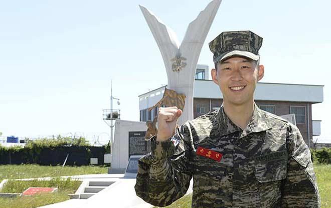 Son Heung Min hé lộ 3 tuần gian khổ đi quân sự, phải ở chung 9 đồng đội - 1