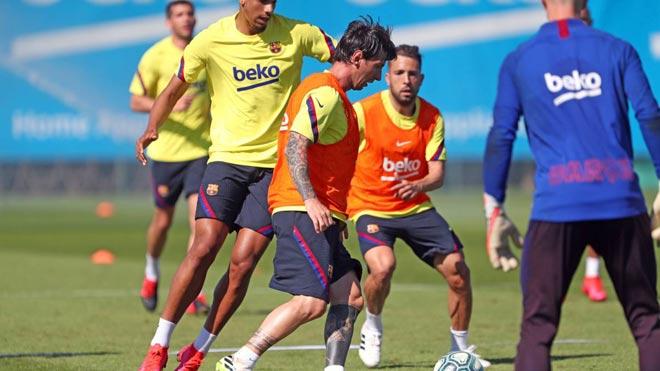 Messi dính chấn thương, Barca lo sốt vó lỡ hẹn tái xuất La Liga - 1