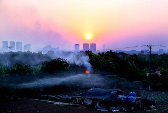 Bốn ngày liên tiếp Hà Nội ô nhiễm vào buổi tối, vì sao? - 1