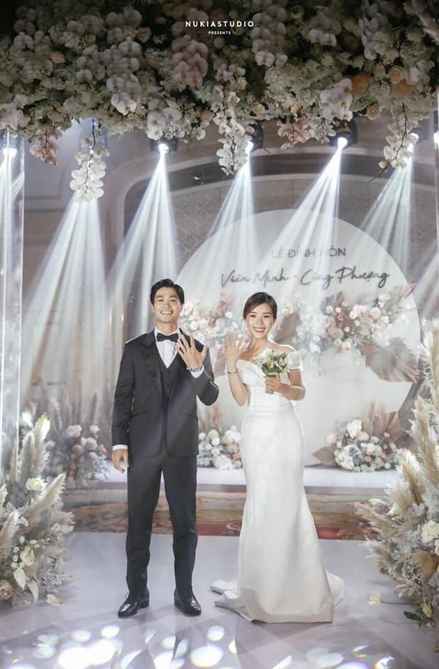 Cô dâu của Công Phượng chọn váy cưới có đặc điểm này nên được khen ngợi không ngớt - 1