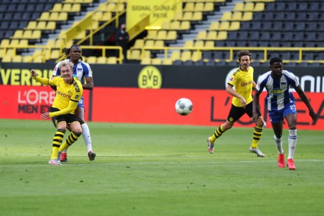 """Video highlight trận Dortmund - Hertha Berlin: Vỡ òa """"người hùng"""", tiếc nuối phút 89 - 1"""