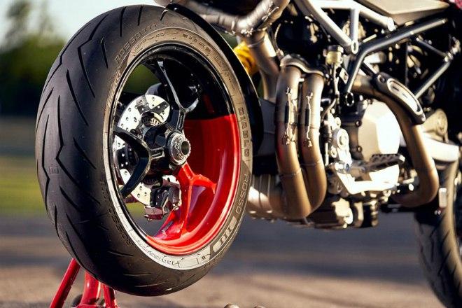 Ducati Hypermotard 950 RVE-cafeauto-4