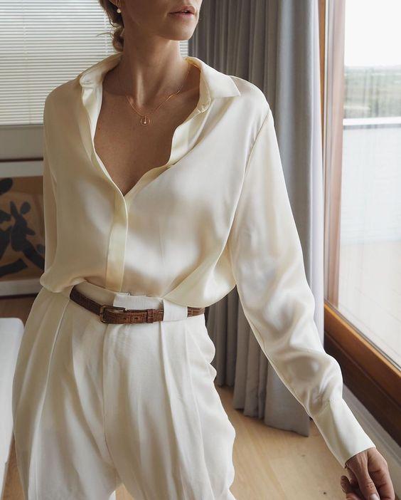Mặc sơ mi trắng sao cho đẹp: Cổ điển hay hiện đại đều xinh miễn bàn - 1