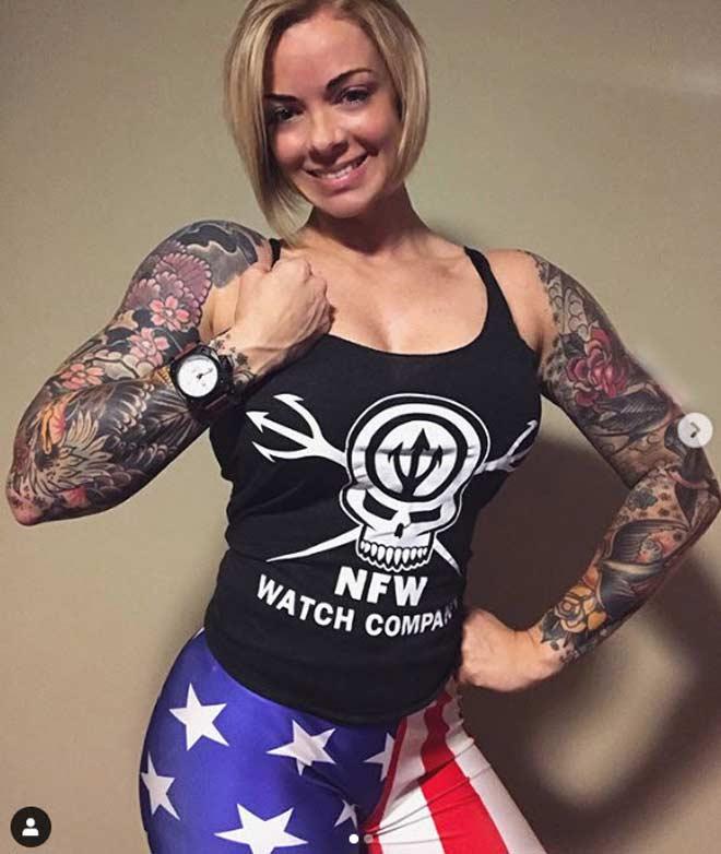 """Nữ cảnh sát """"xăm trổ hổ báo"""" cơ bắp như lực sỹ, tội phạm tránh từ xa - 6"""