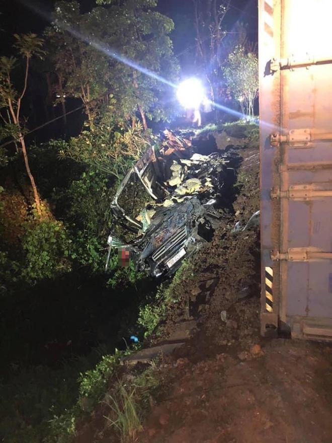 Tin tức 24h qua: Tai nạn ớn lạnh ở Quảng Ninh, 3 người chết trong xe limousine vỡ vụn - 1