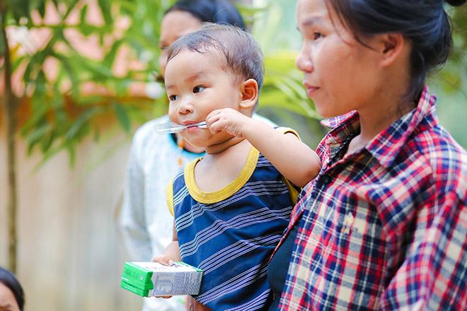 Quảng Nam triển khai sữa học đường, trẻ em được uống sữa miễn phí - 1