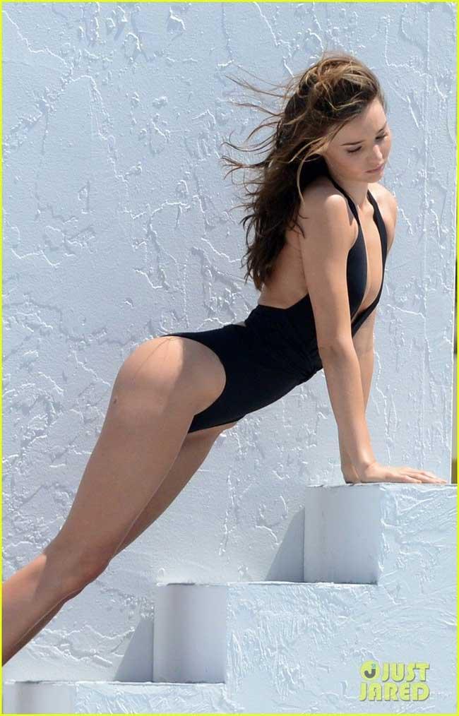 Miranda Kerr là người mẫu mang quốc tịch Úc nổi tiếng với vai trò thiên thần của Victoria Secret's. Sau khi ly hôn với người chồng cũ là nam diễn viên Orlando Bloom, cô tái hôn với tỷ phú Evan Spiegel.