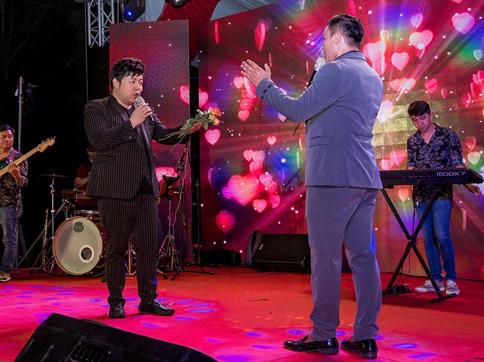 Lý do Quang Lê cát-xê 6.000 USD phá lệ đi hát tiệc miễn phí? - 1