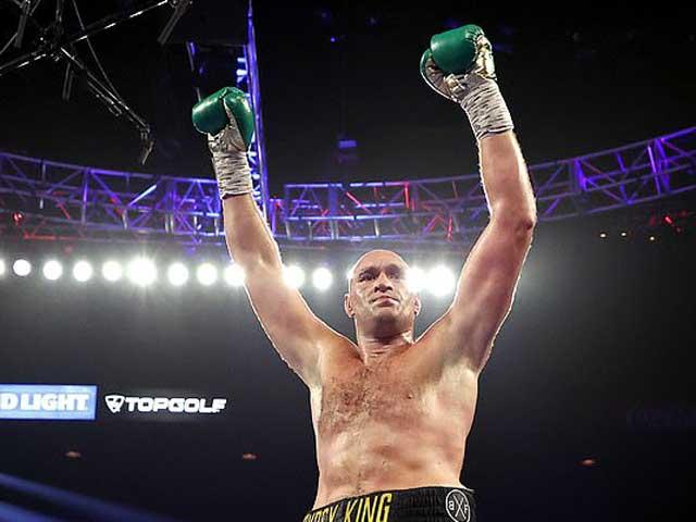 """""""Đại ca boxing"""" Tyson Fury coi mình """"nghìn năm có một"""", chấp cả Tyson - 1"""